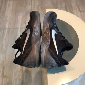 Men's NIKE Sneakers EUC Hardly worn